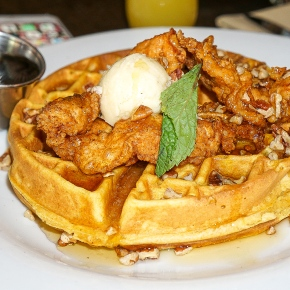 A Brunch Spot In The Central West End Where The Mimosas Are Really Good & The Chicken & Waffles Are Even Better.. This Is Gamlin WhiskeyHouse