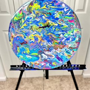 Expressing Creativity While Being Stuck Indoors; This Is My Round Canvas Acrylic Pour🎨